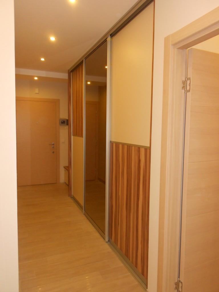 Opremanje stana - Klizni plakar u hodniku