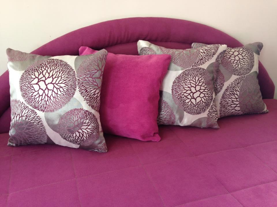 Cetiri roze jastuka